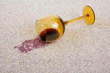 Как удалить пятно от вина